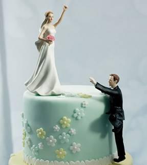 Mariage: Pièce montée… avec humour ou pas????  On préfère les ...